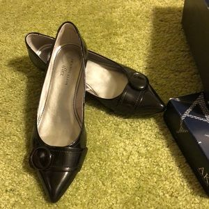 Anne Klein Black Patent Leather Heels, size 7.5